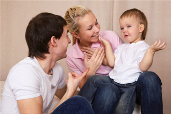 深圳亲子关系心理咨询-父母过分干预会对孩子产生什么影响