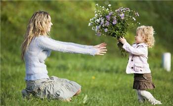 怎样帮助儿童拥有健康的心理童年